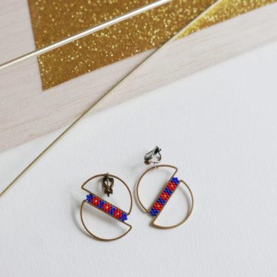 boucles d'oreilles OUMOU  ::bleu /3 fleurs vermillon::