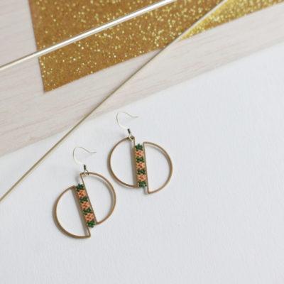 boucles d'oreilles OUMOU  ::vert /3 fleurs pêche::