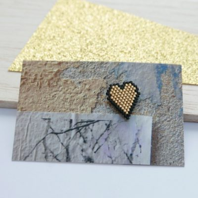 pin's ♡ Heart Of Glass ::bords noirs/ doré::