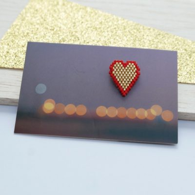 pin's ♡ Heart Of Glass ::bords rouges/ doré::